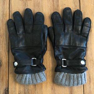 Coach.  Men's L leather gloves. Black